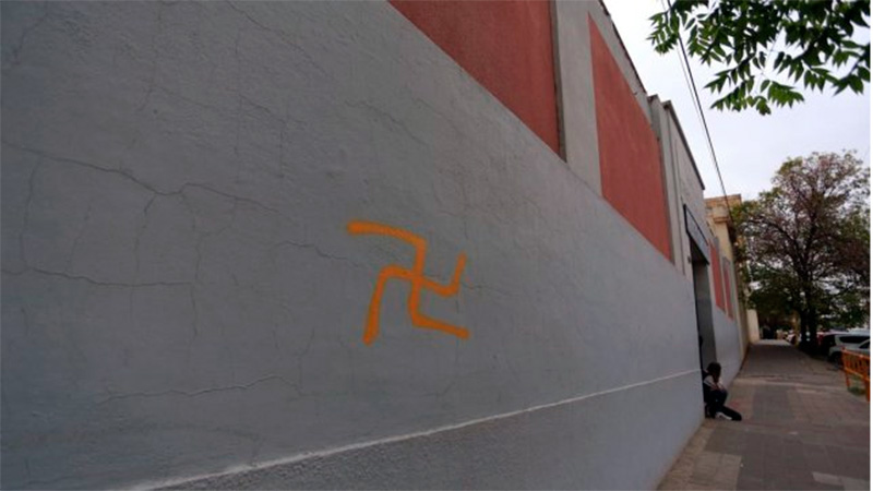 Aparecieron esvásticas pintadas en las paredes de un colegio de Paraná