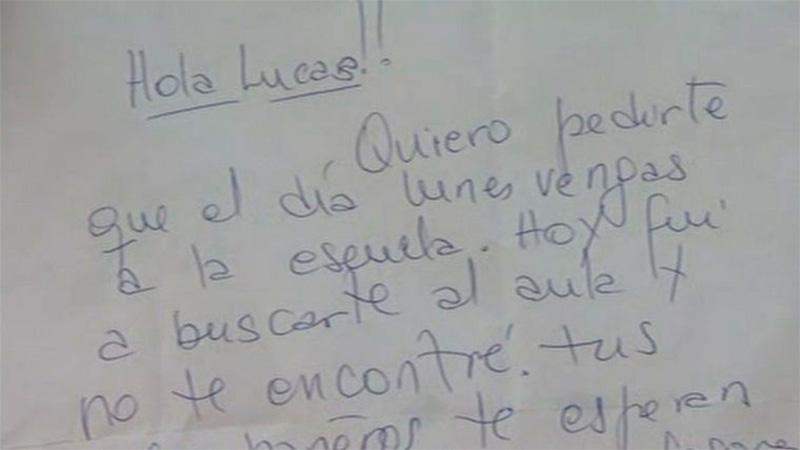 Tras la burla, le mandaron una carta para que vuelva a la escuela