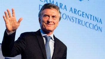 Macri visita la ciudad de Santa Fe para recorrer obras de viviendas