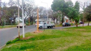 Comenzaron a instalar semáforo en División de Los Andes y Salvador Maciá