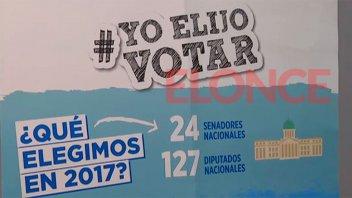 Capacitan a autoridades de mesa para las elecciones legislativas