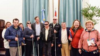Bahl se reunió con integrantes del Centro de Amigos del Ciego