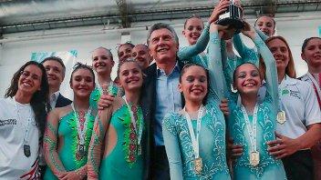 Macri visitó jóvenes que participan de los Juegos Evita
