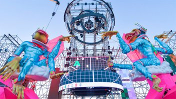 Espectaculares fotos: Así luce el escenario de la Fiesta de Disfraces