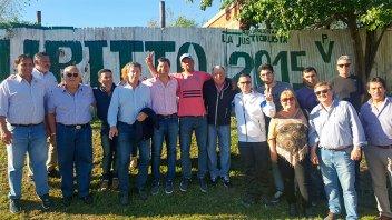 Zavallo y Busti caminaron por barrios de Concepción del Uruguay