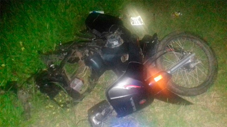 Joven motociclista murió tras choque con un auto en la Ruta 20