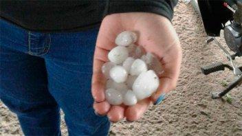 Fotos y videos: Granizo, ráfagas y lluvias afectaron a ciudades santafesinas