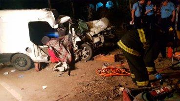 Murieron una pareja y un bebé en un terrible choque frontal en Córdoba