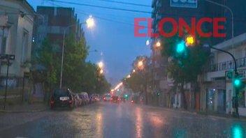 Protección Civil de Paraná asiste a familias tras el temporal