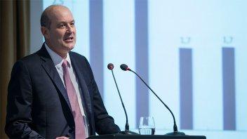 Sturzenegger endurecerá la política monetaria si la inflación no baja para mayo