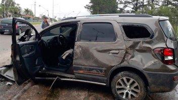 Grave vuelco en el acceso a Concordia: El conductor se salvó por el cinturón