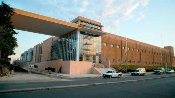 El gobierno llamó a licitación para finalizar obras en el hospital Bicentenario