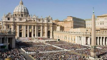 Renunciaron el Portavoz del Vaticano y su adjunta