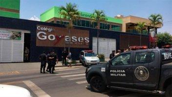 Chico de 14 años dispara en escuela de Brasil y mata a dos compañeros