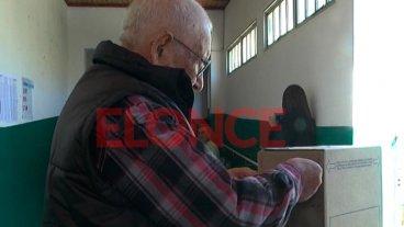 Pese a estar exceptuados por la edad, votaron