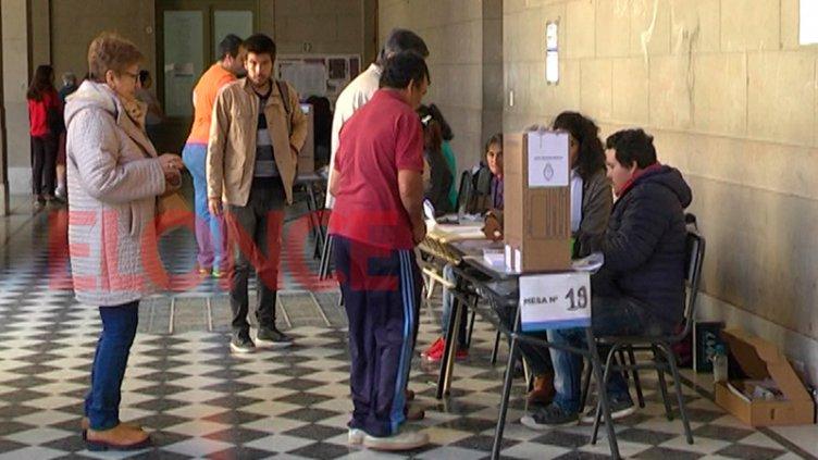 Las elecciones en Entre Ríos: ha votado más del 36 por ciento del padrón