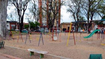 Realizarán mejoras en el área de juegos de la plaza Sáenz Peña