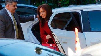 Cristina Kirchner se presenta a declarar por la causa de los cuadernos