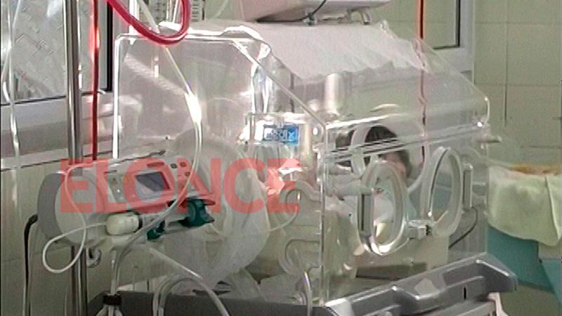 Cuatrillizos permanecen en Neonatología