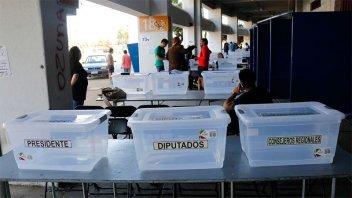 Más de 14 millones de chilenos eligen al sucesor de Bachelet