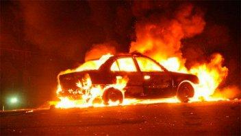 Robaron un auto en Federación y lo incendiaron en Concordia