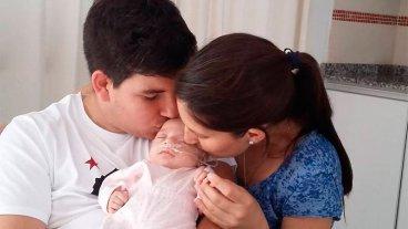 Madre hace un llamado a la solidaridad para recuperar las fotos de su bebita