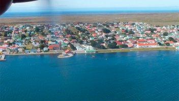 Malvinas: invitan a aerolíneas de la región a operar un vuelo hacia las islas