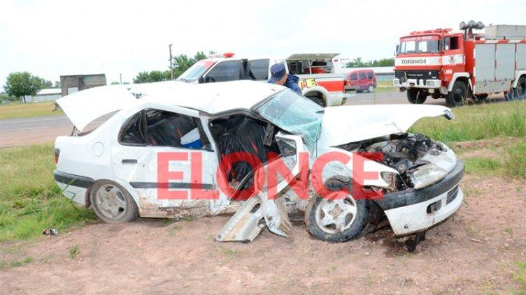 Fatal accidente en Ruta 135: Murió un hombre y dos personas sufrieron heridas