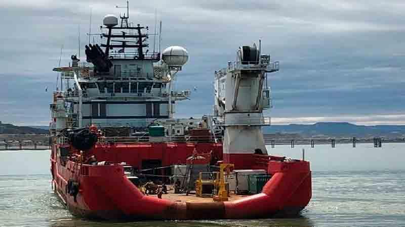 El buque de apoyo noruego Skandi Patagonia, dirigiéndose al área de búsqueda