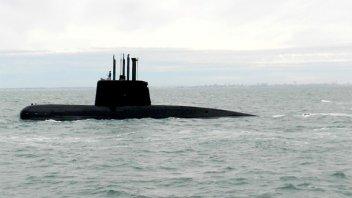 Gobierno le apunta a la Armada por ocultar 8 llamadas que realizó el submarino