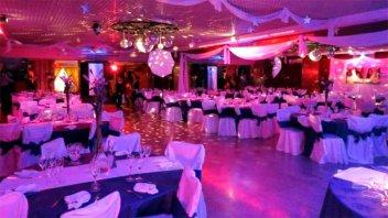 Las cenas y bailes de graduación deben tener habilitación de la comuna