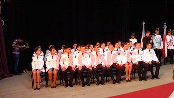 Egresaron 53 oficiales ayudantes de la Escuela de Policías