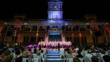 El Coro Kennedy se presenta este sábado en la Plaza Mansilla