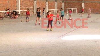 Patín artístico del Club Sportivo Urquiza sumó donaciones a Once por Todos