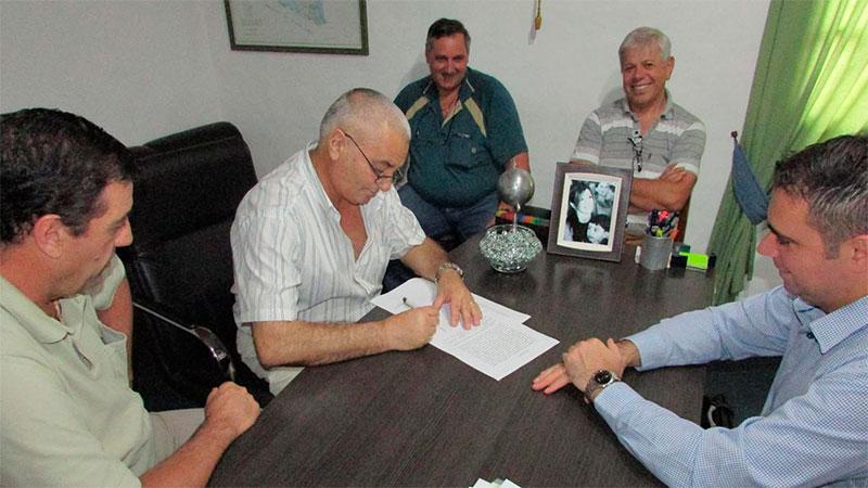 Acuerdo entre municipales de Pueblo Belgrano y el intendente Davico