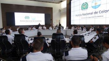 Oficiales de la Policía de Entre Ríos se capacitan en Colombia