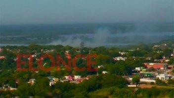 Incendio en el volcadero generó una densa columna de humo que afecta a la ciudad