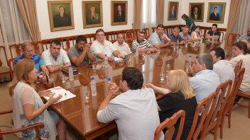El gobierno provincial acordó una mesa de diálogo permanente con la CGT