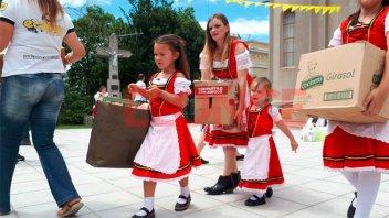 Valle María vive su fiesta patronal y recibe donaciones para Once por Todos