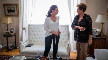 Cristina se reunió con Dilma y debatieron sobre los