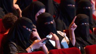 Después de 35 años, Arabia Saudita levantará la prohibición a los cines