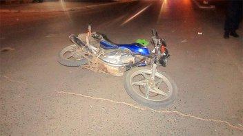 Un motociclista murió al chocar contra una columna