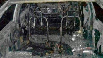 Investigan intencionalidad del incendio de un auto en Concordia