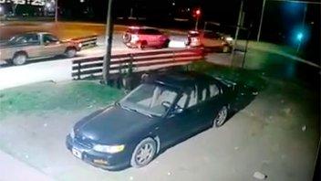 Video: No respetó la luz roja del semáforo y provocó un grave accidente