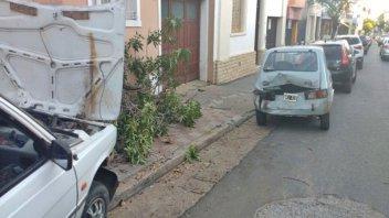 Tres autos protagonizaron un choque en céntrica esquina de Concordia