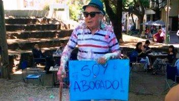 Un ejemplo de lucha y superación: a los 82 años se recibió de abogado