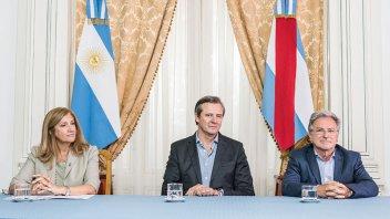 Provincia entregó aportes a juntas de gobierno