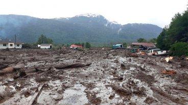 Imágenes y videos: Tres muertos y 15 desaparecidos por un alud en Chile