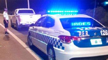 Cinco personas golpearon a un matrimonio y les robaron la camioneta