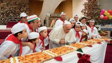 Francisco celebró sus 81 años con niños asistidos en una clínica vaticana